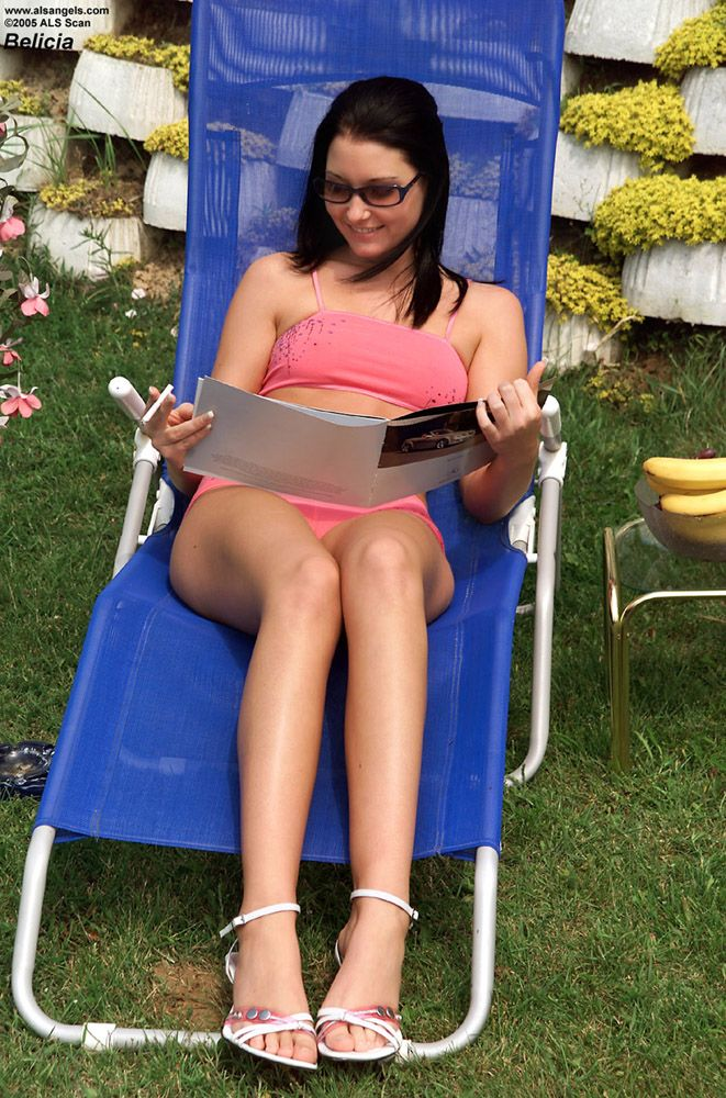 Belicia Brunette Shaved Outdoor
